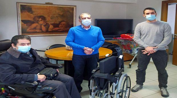δωρεά αναπηρικό αμαξίδιο παμακ